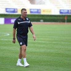 Nigel Pearson wierzy w drużynę przed spotkaniem z Leicester City