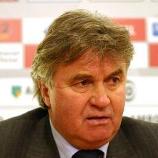 Guus Hiddink miał zastąpić Nigela Pearsona